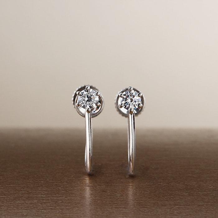 【送料無料】天然ダイヤモンド計0.15ctUp H&C ハート&キューピット × K18ホワイトゴールドイヤリング