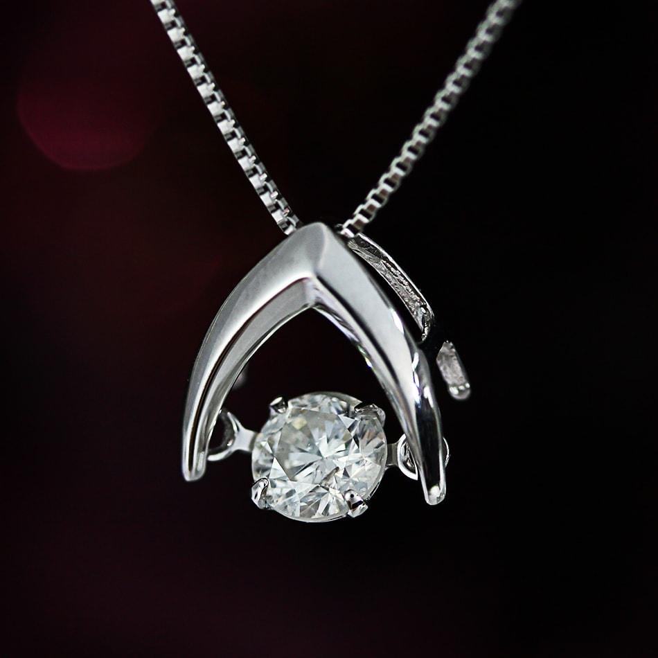 ファミリーセールご優待 天然ダイヤモンド 0.30ct 揺れるダイヤ ペンダントネックレス K18 ホワイトゴールド 通常価格118,000円から半額に!